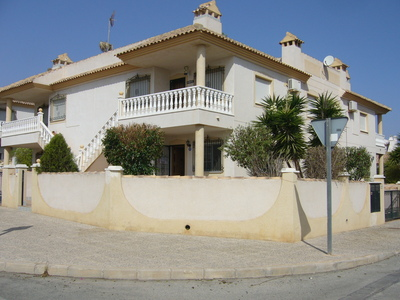 Here we are pleased to offer you this spacious ground floor apartment in the quiet area of villa ma, Spain