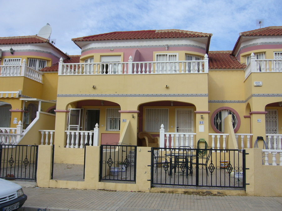 F0535: Townhouse for sale in Cabo Roig , Alicante