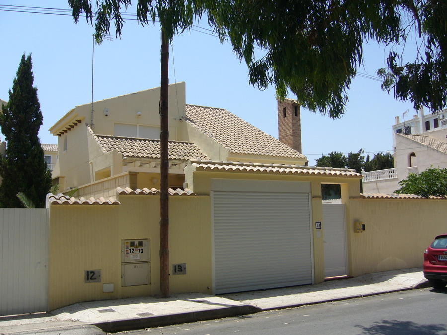 F0639: Villa for sale in Playa Flamenca , Alicante