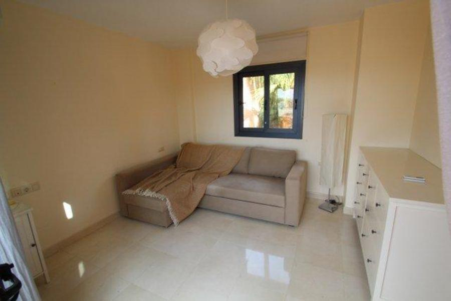 F0690: Townhouse for sale in Villamartin, Alicante