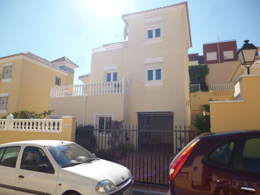 F0698: Villa for sale in Villamartin, Alicante