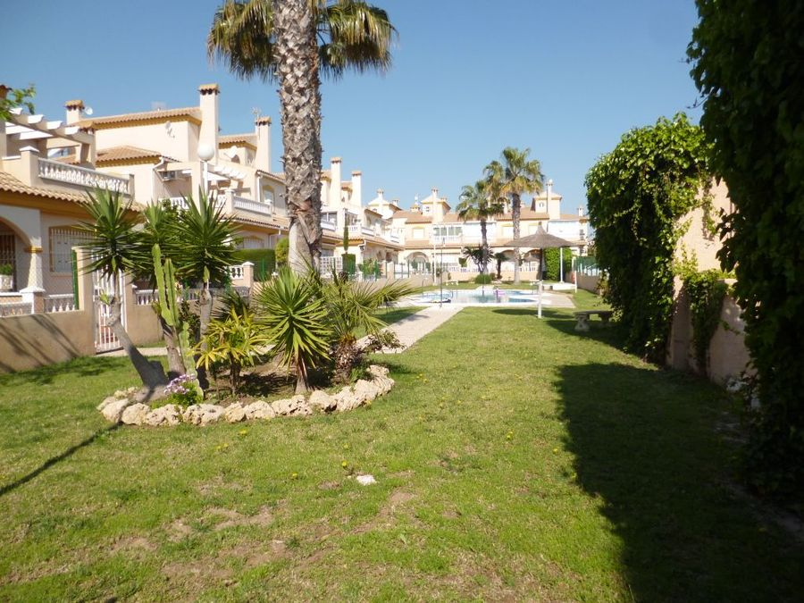 F0708: Townhouse for sale in Playa Flamenca , Alicante