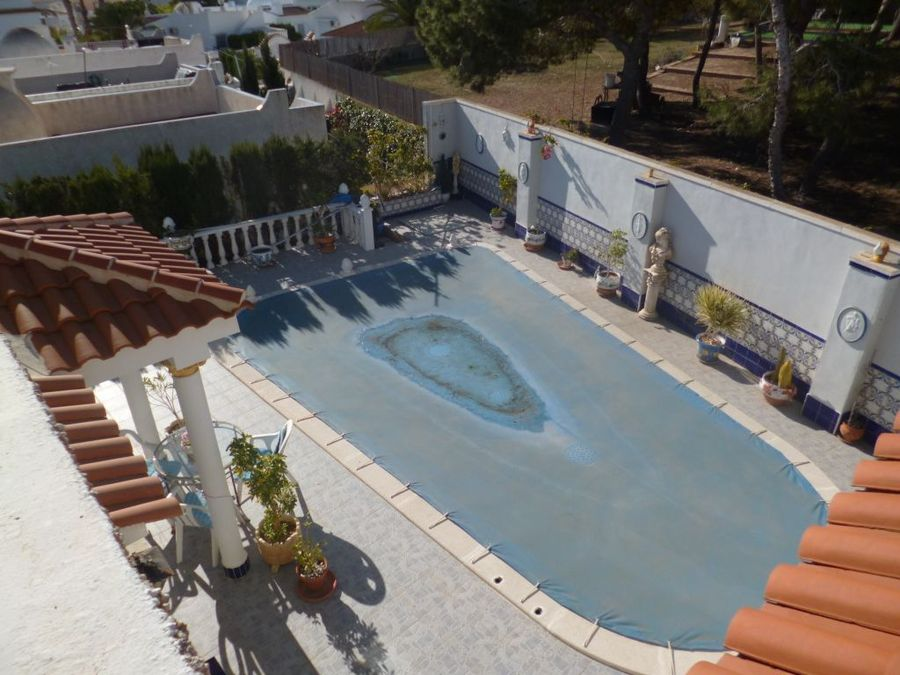 F4004: Villa for sale in Villamartin, Alicante