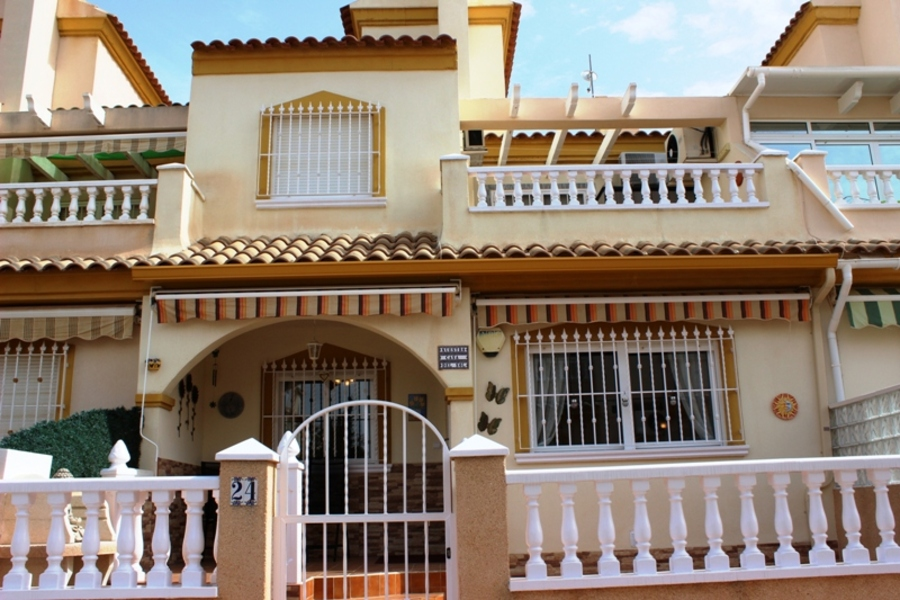 F1018: Townhouse for sale in Playa Flamenca , Alicante