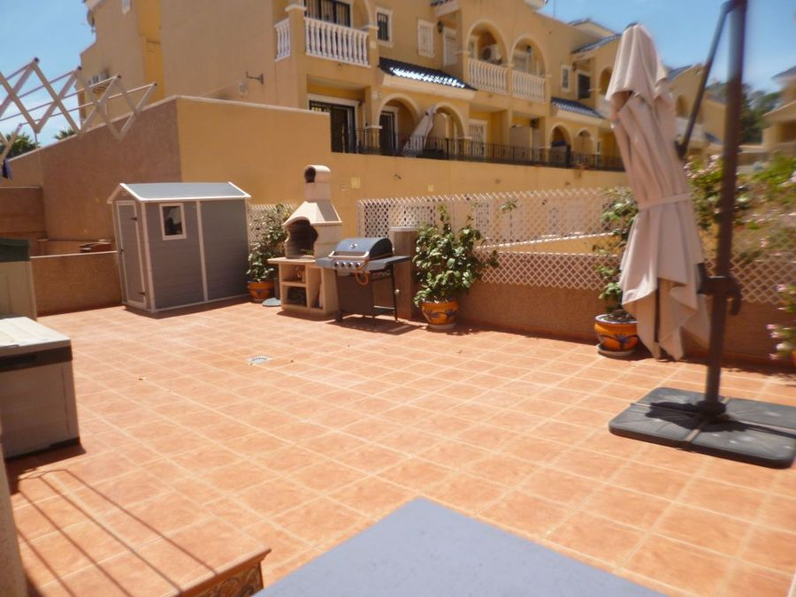 F1024: Villa for sale in Villamartin, Alicante