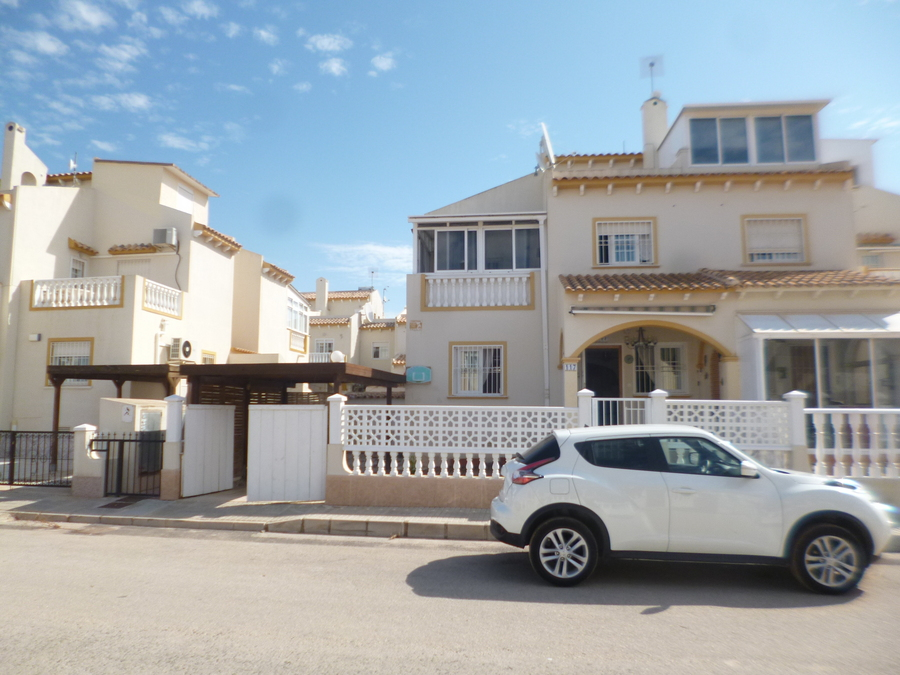 F1025: Quad House for sale in Playa Flamenca , Alicante