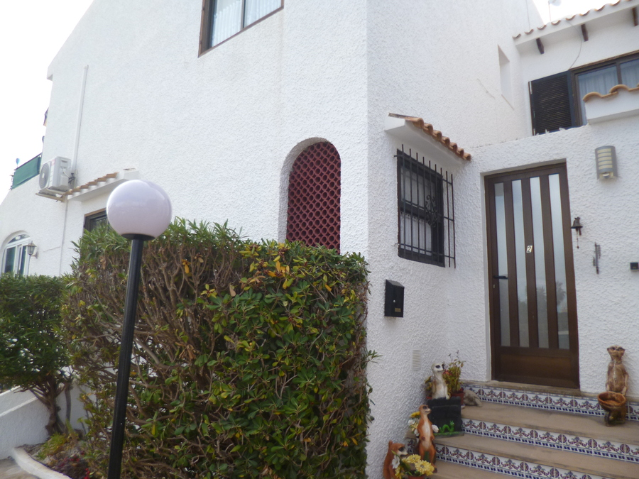 F1075: Townhouse for sale in Cabo Roig , Alicante